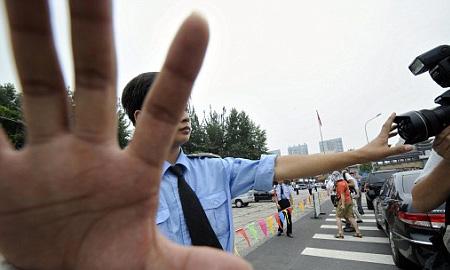 Китайский водитель раздавил толпу школьников после ссоры с полицией