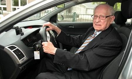 Голландский пенсионер Йос Янссен