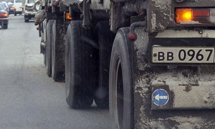 В Петербурге лже-милиционеры угнали грузовик с 25 тоннами масла