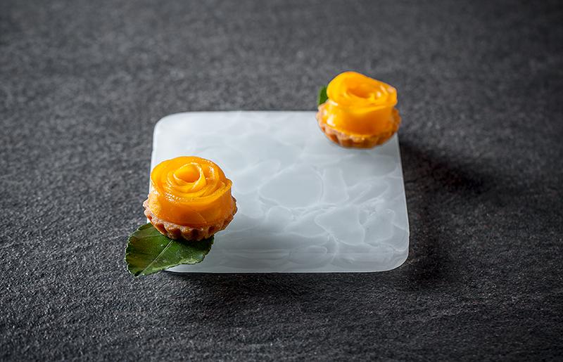 Десерт с манго