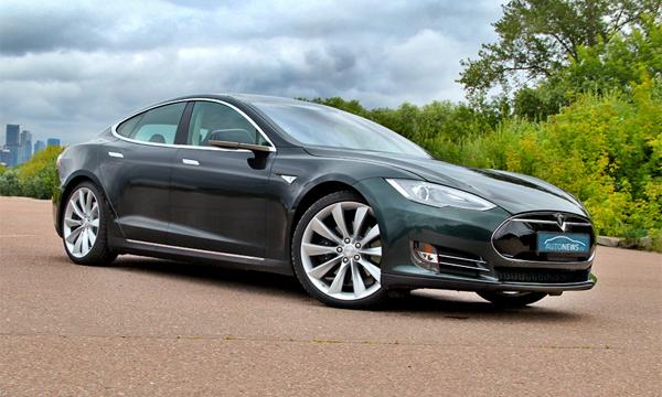 Будущее за дверью. Тест-драйв Tesla Model S