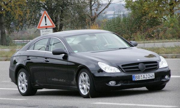 Новый Mercedes-Benz CLS застали на трассе