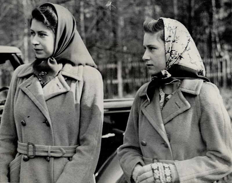 Королева Елизавета IIи ее сестрапринцесса Маргарет Роуз