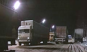 На трассе М-53 образовалась пробка из 200 грузовиков