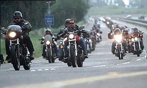 Следить за порядком на дорогах будут байкеры