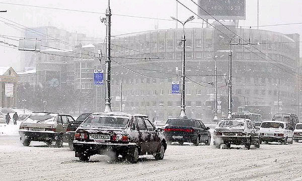 На московских улицах снеготаялки заменят реагенты