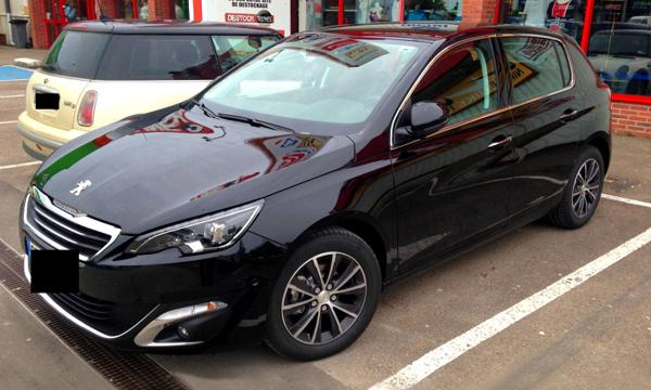 Новый Peugeot 308 заметили без камуфляжа