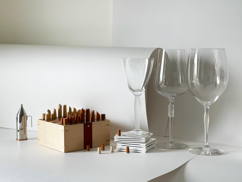 Кофеварка La Conica, миниатюра, Alessi, Design Boom (designboom.ru) Шахматы Mini Samarcande Chess Game, Hermès Бокалы Louvre, Merlot, Burgundy, Lalique (бутик Lalique,ЦУМ)