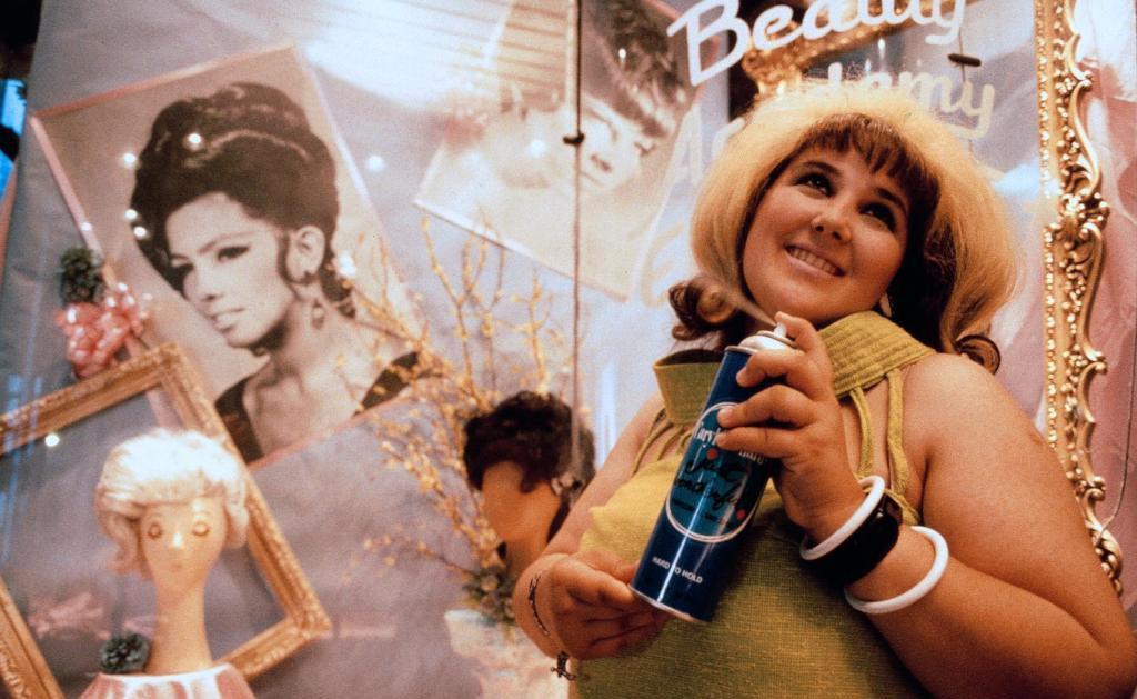 Кадр из фильма «Лак для волос»