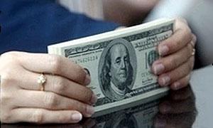 В тюменском ГИБДД возвращали отнятые права за 1000 долларов