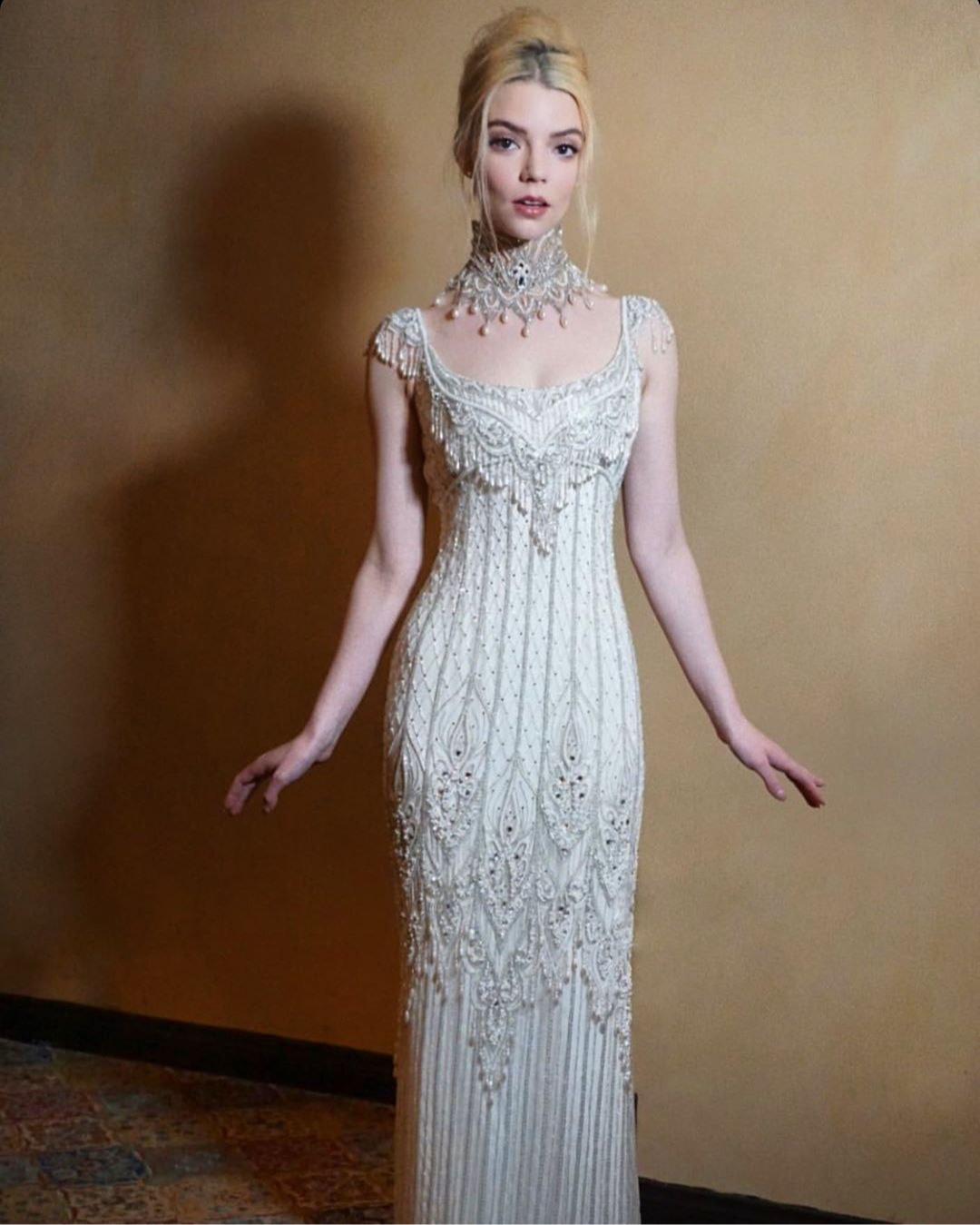 Аня Тейлор-Джой в платье Bob Mackie на премьере фильма «Эмма» в Лос-Анджелесе, 2020