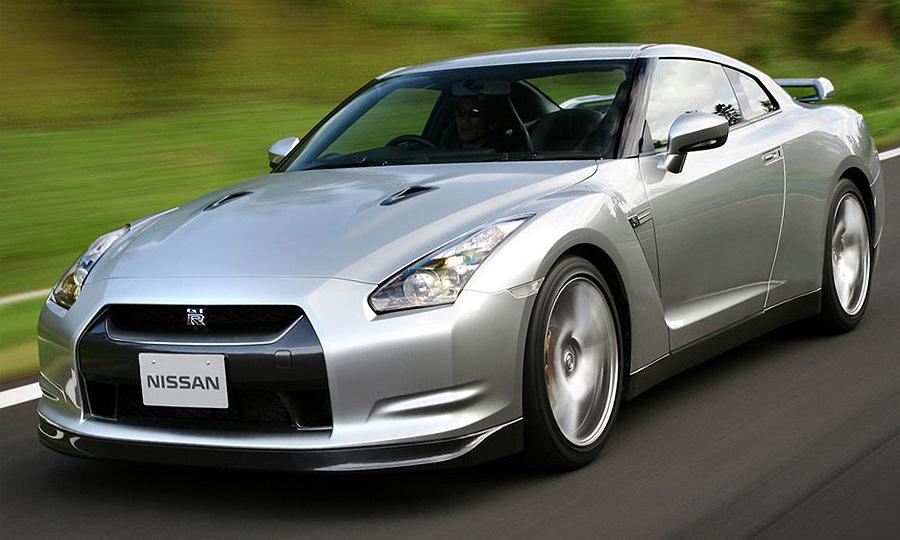 Британцы раскупают Nissan GT-R по 350 штук в день
