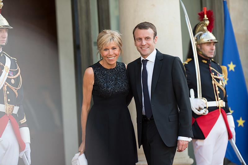 Эммануэль Макрон с женойБриджит Тронье