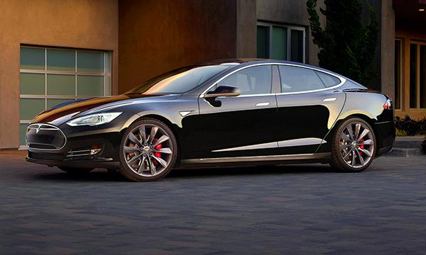 Tesla Model S научили разгоняться до 100 км/ч за 2,8 секунды