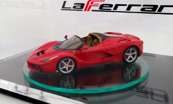 Дизайн гиперкара Ferrari LaFerrari Spider рассекретили с помощью игрушки