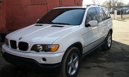 Во Львове нашли отстойник краденых BMW