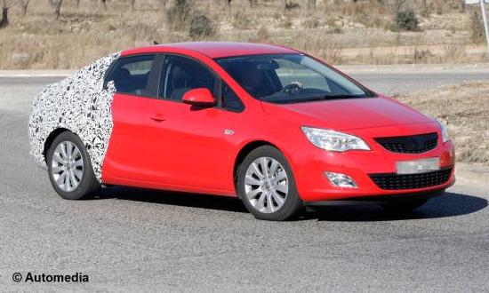 Opel Astra превращается в седан! ФОТО