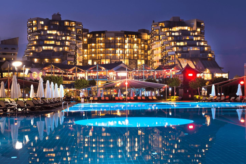 Курорт Limak Lara Deluxe Hotel & Resort (Limak Lara)