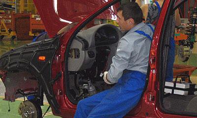 АвтоВАЗ вводит дополнительные рабочие смены