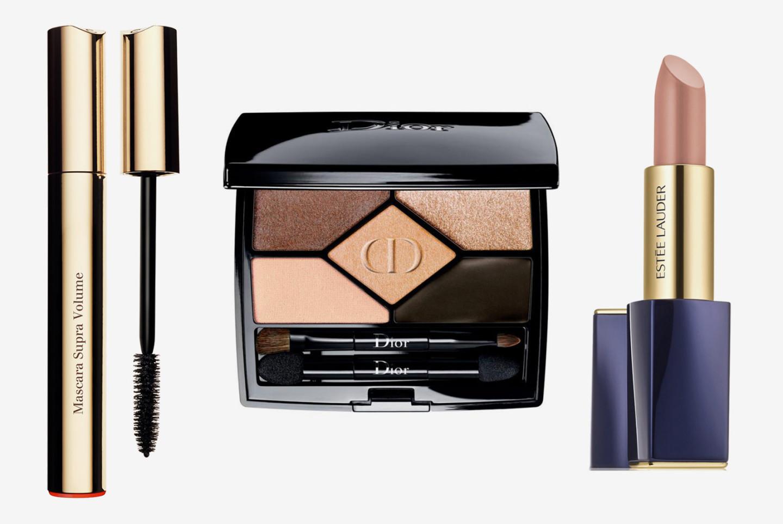 Тушь для ресниц Clarins Mascara Volume; тени для век 5 Couleurs Designer, Dior; помада Estee Lauder Pure Color Envy Matte, 110