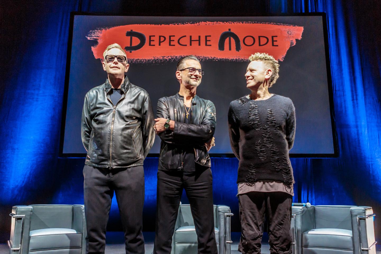 Объявление нового тура и альбома группы Depeche Mode на пресс-конференции в Милане.