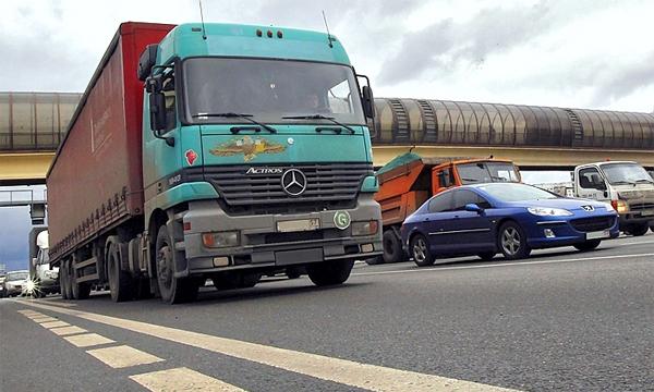 Штраф за выезд грузовиков на МКАД увеличили до 5000 рублей