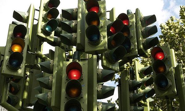 Светофоры научат штрафовать за выезд за стоп-линию