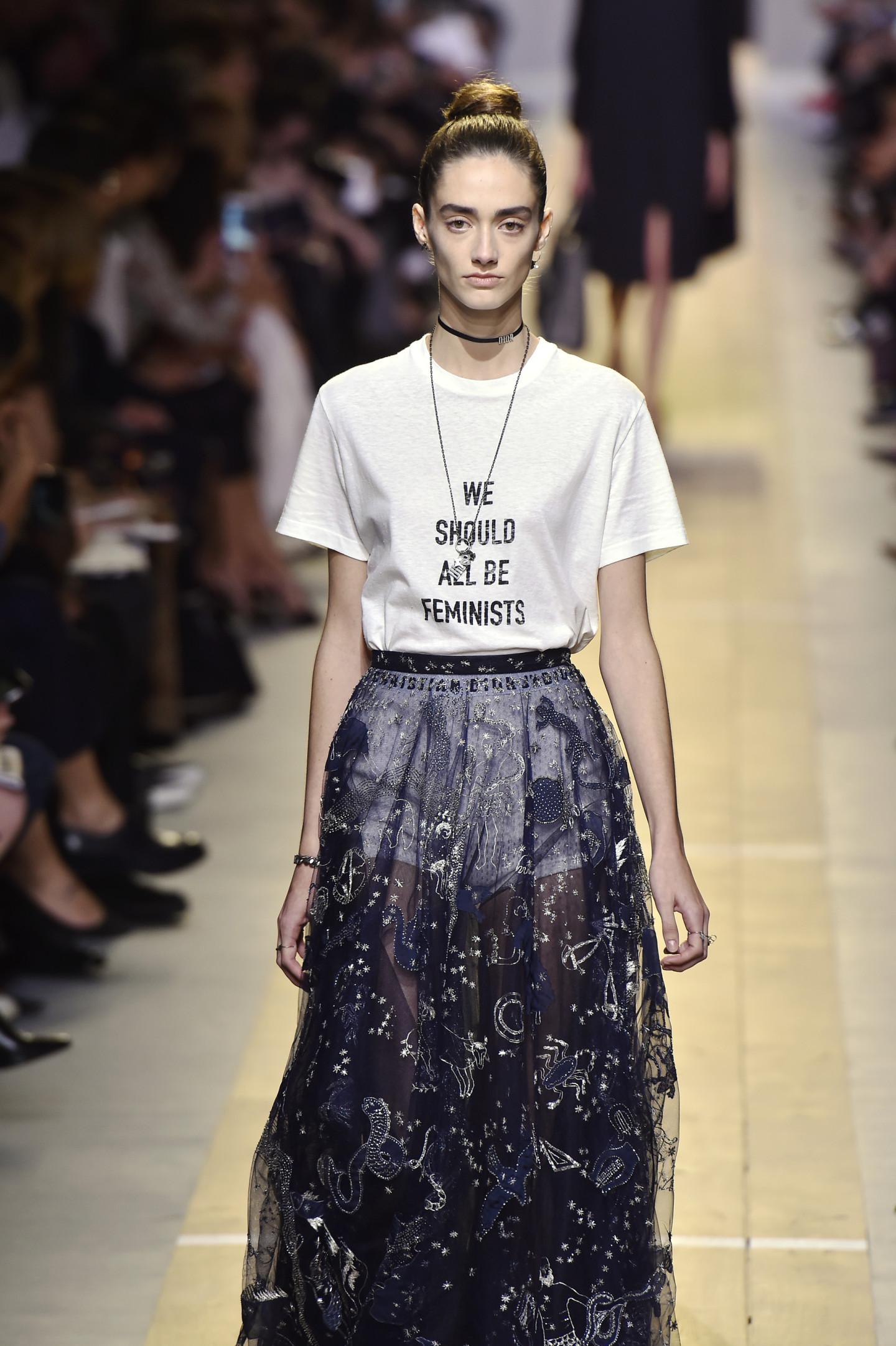 Показ коллекции Dior весна-лето 2017 в рамках Недели моды в Париже