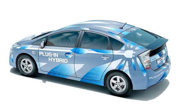 Получены фото нового поколения Toyota Prius