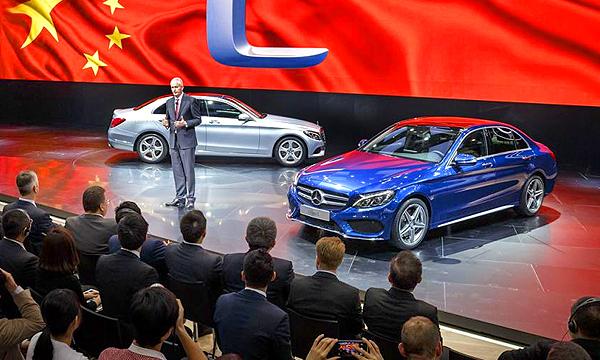 Китай обвинил Mercedes-Benz в завышении цен