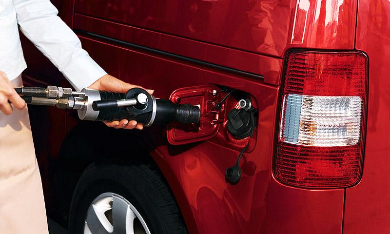 Новые автомобили должны обходиться без бензина