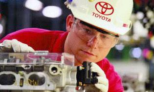 Американское отделение Toyota в 2005 году выпустило 1,56 млн автомобилей и 1,3 млн двигателей.