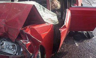 На Валдае попала в аварию машина с заключенными