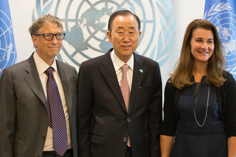 Бывший генеральный секретарь ООН Пан Ги Мун на встрече с семьей Гейтс в Нью-Йорке, 2015 год