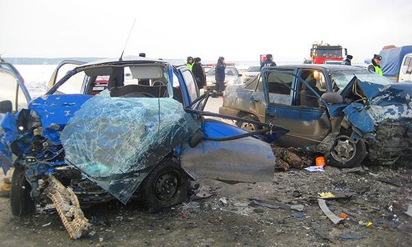 На трассе М-4 Дон столкнулись 20 машин