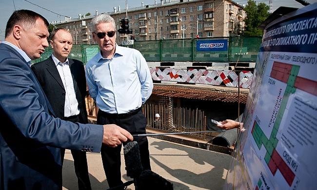 Мэр Москвы Сергей Собянин распорядился досрочно завершить реконструкцию на участке Краснопресненского проспекта от Живописной улицы до 3-го Силикатного проезда