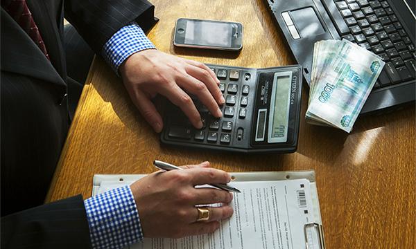Полисы ОСАГО предложили продавать после уплаты транспортного налога