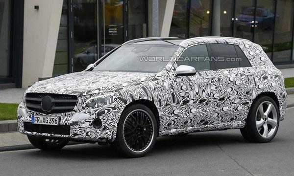 Mercedes вывел на тесты «заряженную» версию GLK