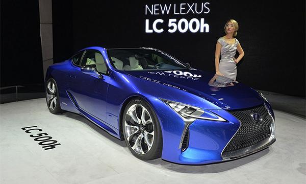 Флагманский спорткар Lexus LC 500 получил гибридную версию