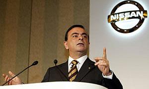 Глава компании Nissan Карлос Гон на пресс-конференции в Москве