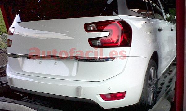Новый Citroen Grand C4 Picasso заметили без камуфляжа