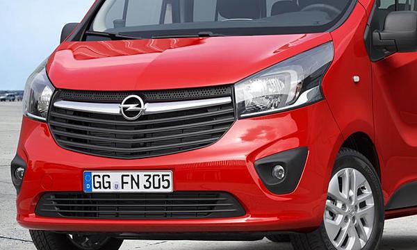 Компания Opel рассекретила пассажирский Vivaro