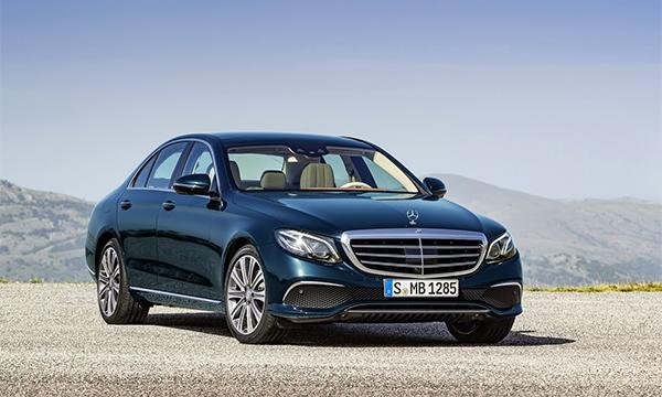 Седан Mercedes E-Class получит новые двигатели в июне 2016 года