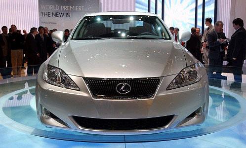 Тот самый  Lexus IS, который первым получит новые подушки безопасности