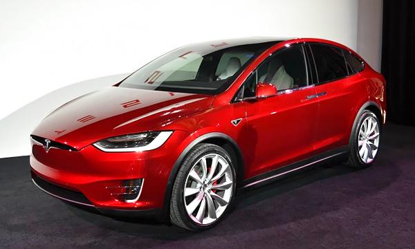 Tesla Model X: запас хода, динамика и остальные подробности
