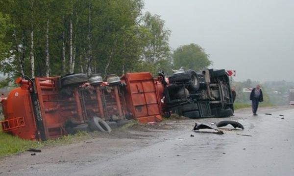 Трасса М-4 «Дон» перекрыта из-за аварии с газовозом