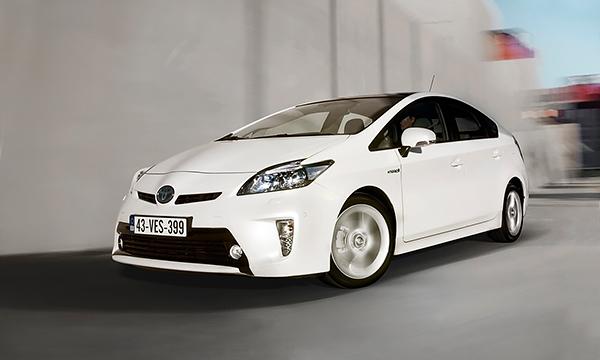 Toyota отзывает 625 тысяч автомобилей Prius из-за сбоя ПО