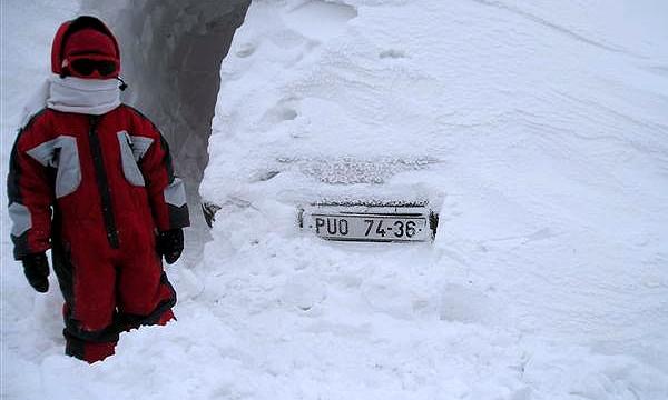 Пропавшие на зимнике автомобилисты найдены живыми