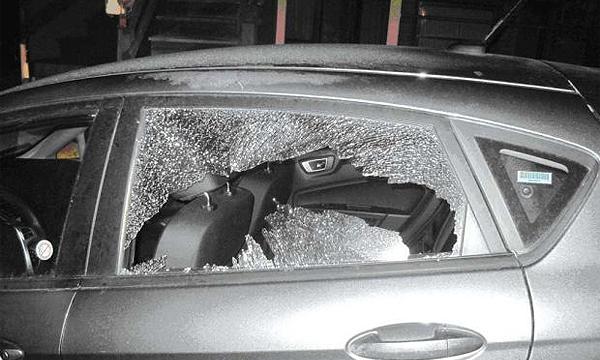 Пьяные подростки разбили 20 машин в Санкт-Петербурге