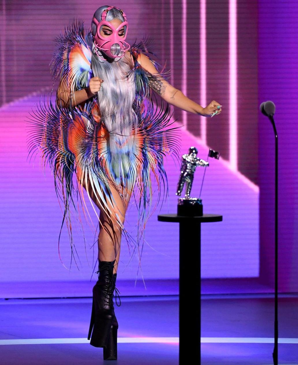 Леди Гага на церемонии вручения премии MTV Video Music Awards